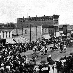 Historical Cattlemen' s Days on Main Street